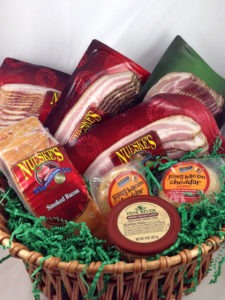 The WisconsinMade.com Nueske Bacon Assortment Gift Basket