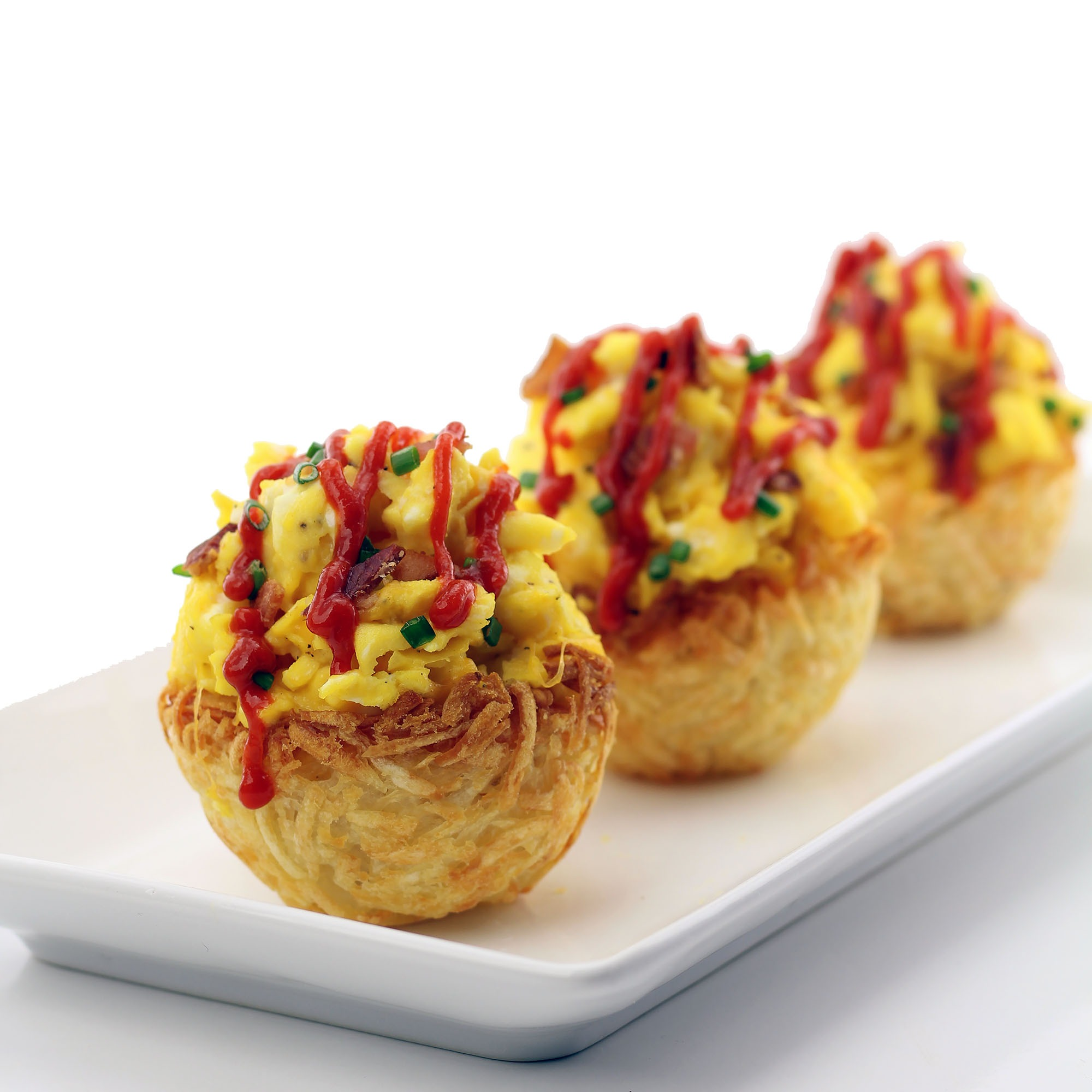 Scrambled Eggs in Edible Hashbrown Bowls